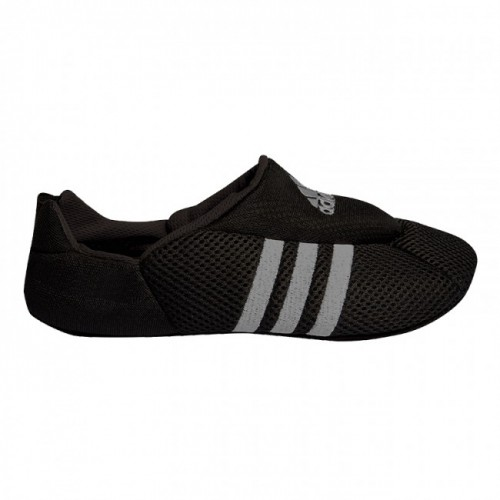 chaussure d'interieur Adidas